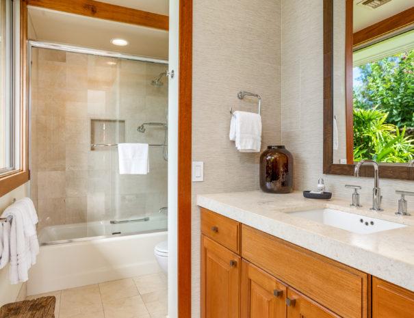 14. Guest Bath 3
