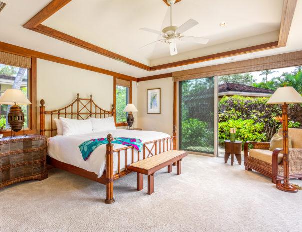 10. W KAH7 Guest Bedroom