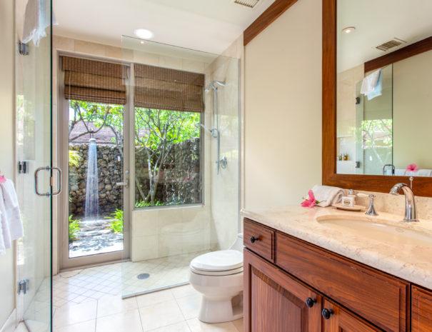 11. W KAH7 Guest Bath