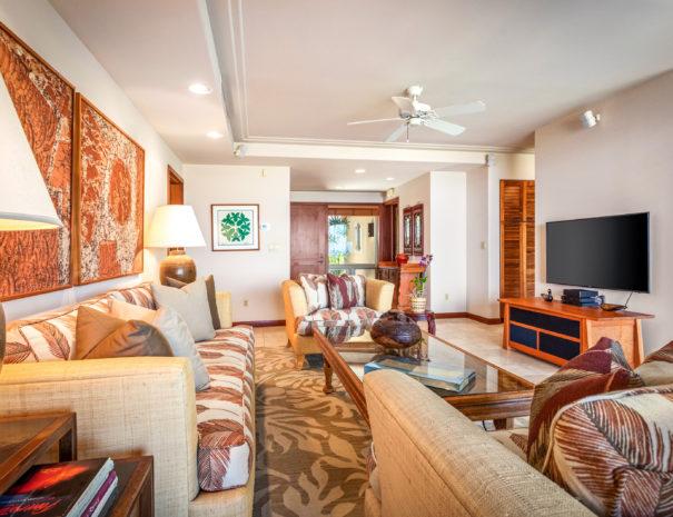 2. HV2102 Living Room to entry