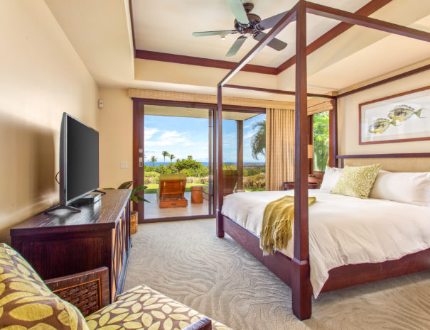 Hali'ipua 10 Guest bedroom looking to the lanai and ocean views